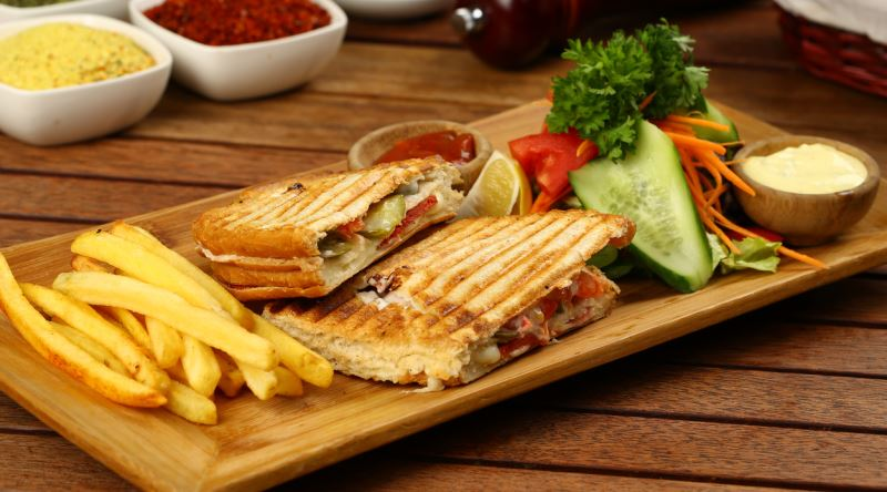 Maya Pasta & Cafe TOSTLAR