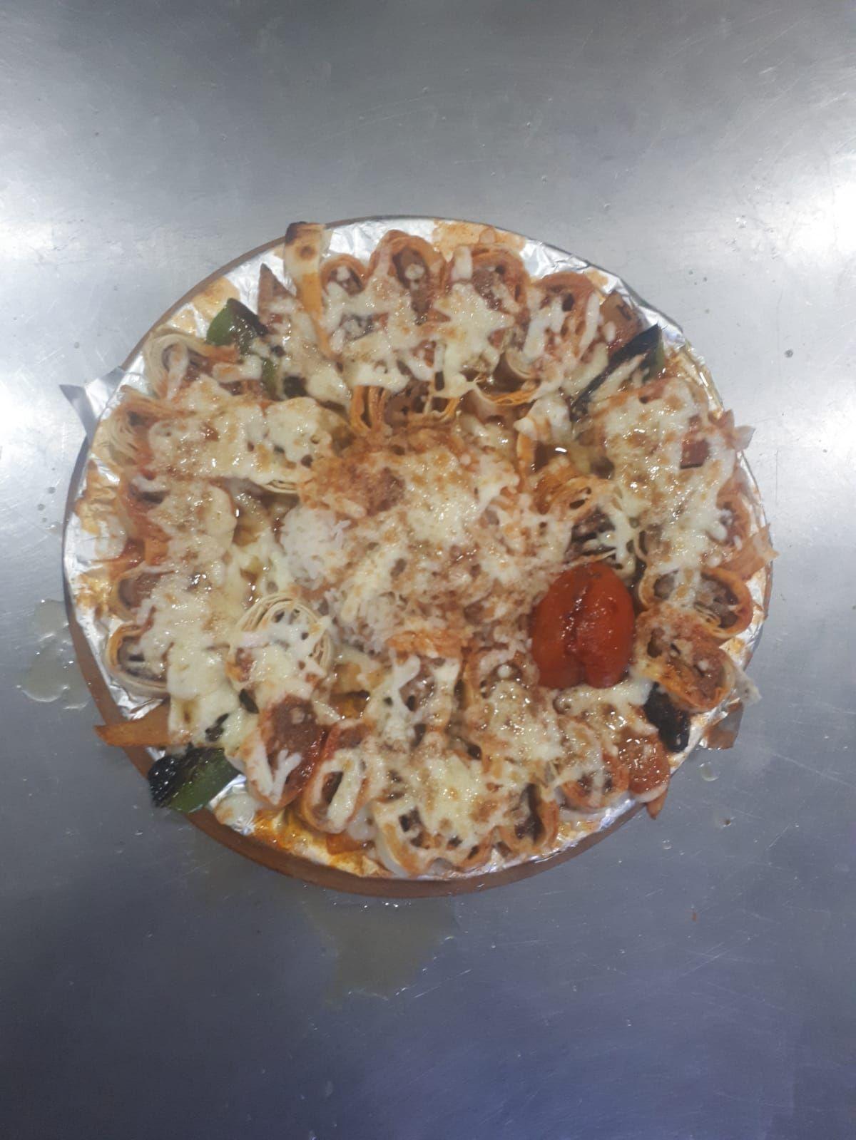 Beyti Kebap + Salata + Yoğurt + Ezme